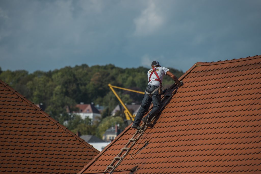 ROOF REPAIR & INSTALLATION